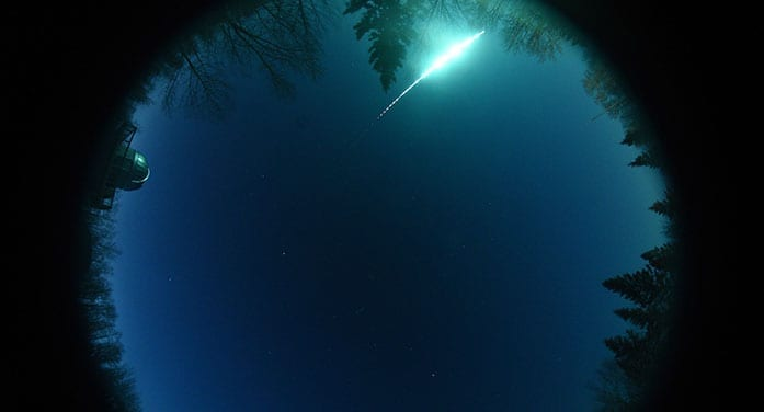 Fireball was a comet fragment burning up in Earth's atmosphere